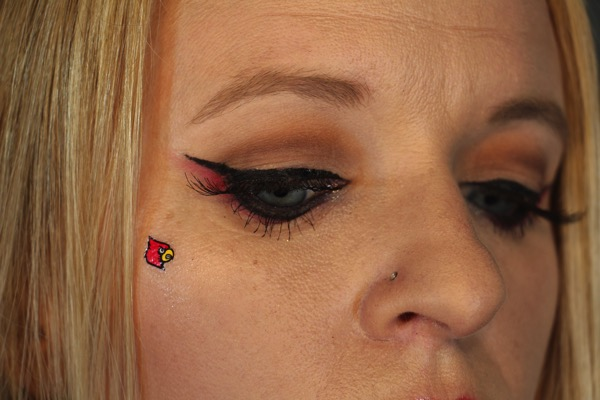 Louisville Eyelook Close Up 2